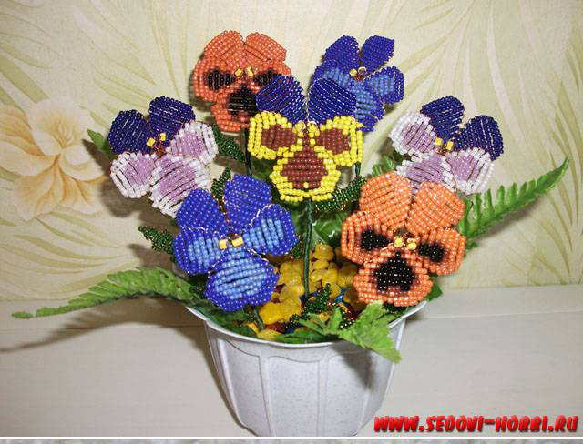 How-to-make-Beads-Pansy-Flower-00-00