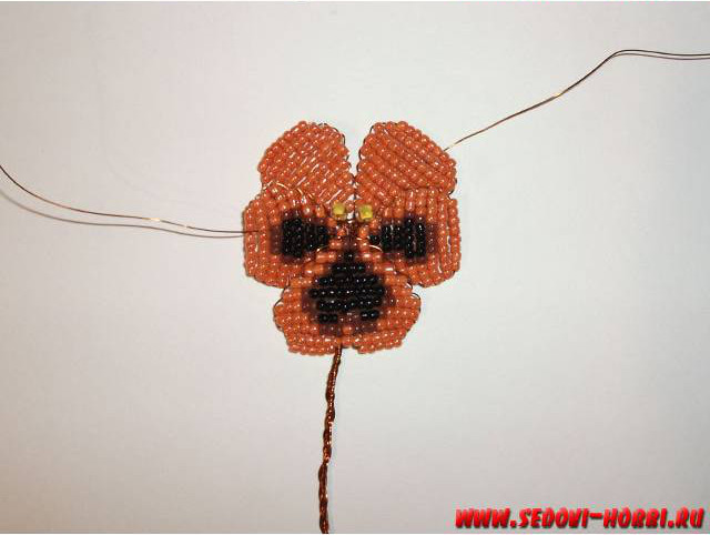 How-to-make-Beads-Pansy-Flower-00-15