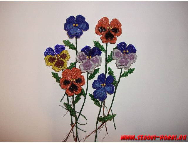 How-to-make-Beads-Pansy-Flower-00-18