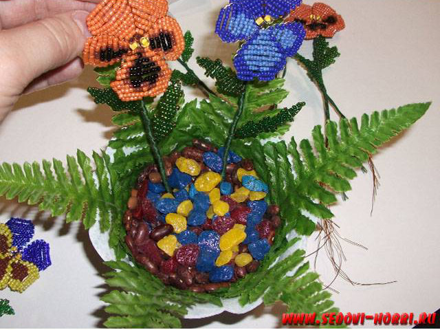 How-to-make-Beads-Pansy-Flower-00-24