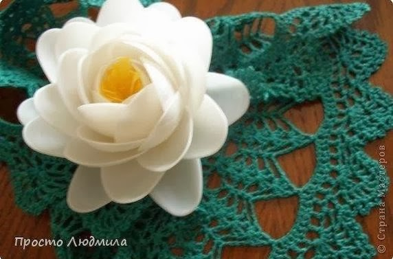 How to DIY Waterlily Flower from Plastic Spoon