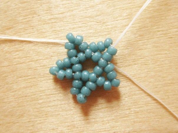 DIY-Beaded-Star-Necklace-7