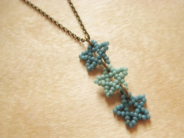 DIY-Beaded-Star-Necklace-8
