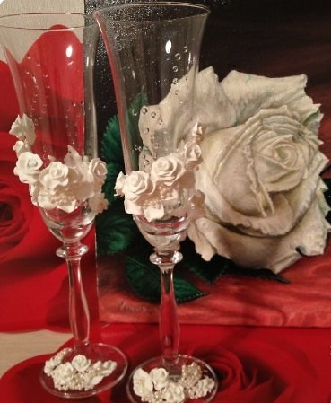 DIY-Wedding-Cups-with-Polymer-Clay-Roses-01