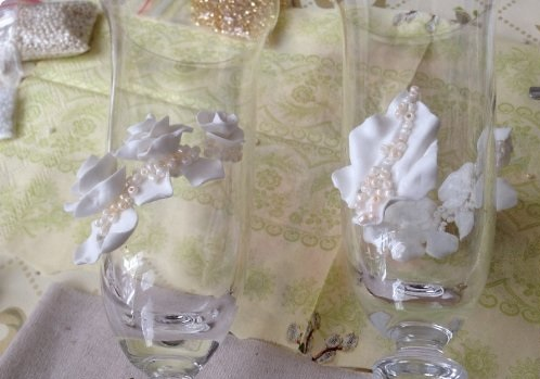 DIY-Wedding-Cups-with-Polymer-Clay-Roses-15
