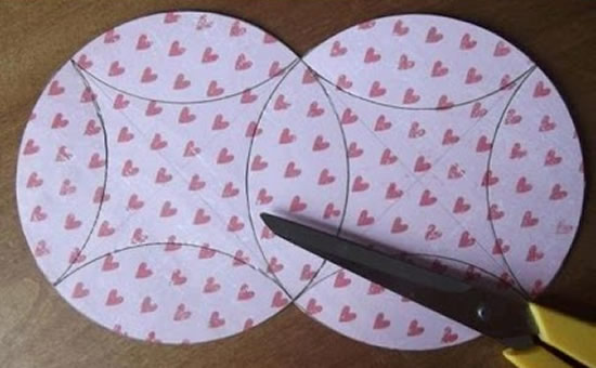 How-To-DIY-Easy-Fold-Paper-Gift-Box-with-CD- 5
