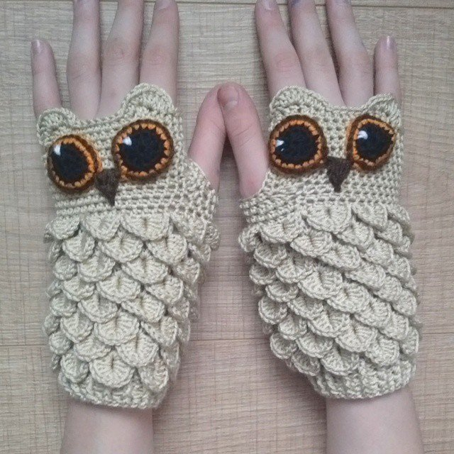 crocodile stitch owl hand warmer