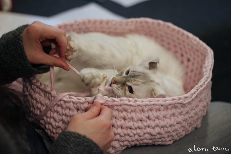 Crochet-Cat-Cave-2