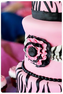 Zebra-Pattern-Cake-Outside4