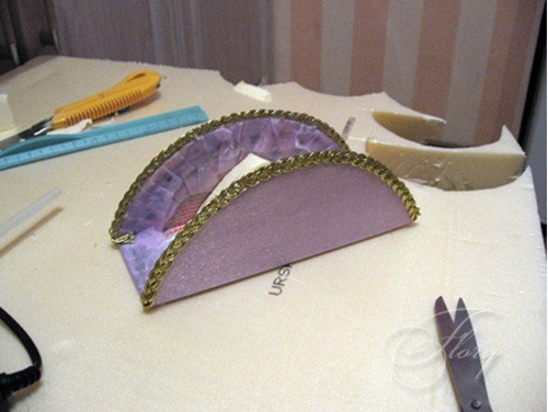 diy-beautiful-handbag-style-candy-flower-basket-from-cereal-box-14