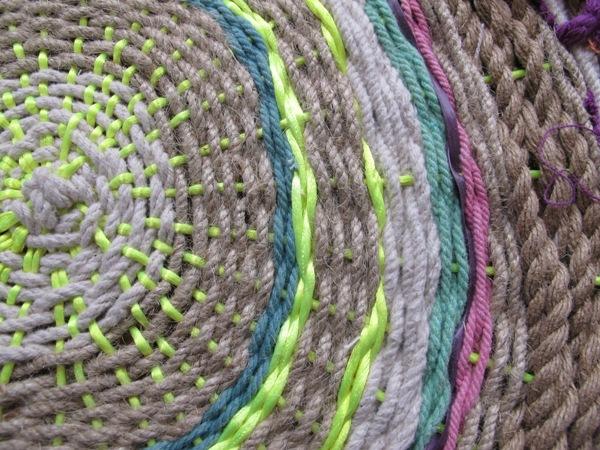 diy-paper-plate-circle-weaving-rope-swirl-tapestries-4