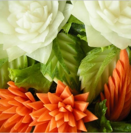 diy-perfect-carrot-flowers-for-salads-garnish-15