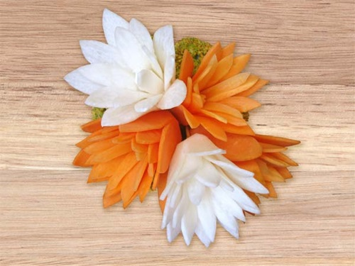 diy-perfect-carrot-flowers-for-salads-garnish-7