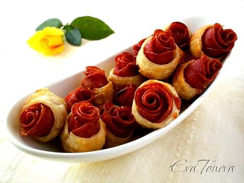 Diy puff pastry and sausage roses 7 cool creativities for Diy rose food