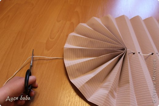 diy-pull-up-window-shade-made-of-paper-11