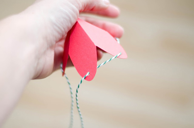 how-to-diy-strawberry-gift-favor-boxes-4
