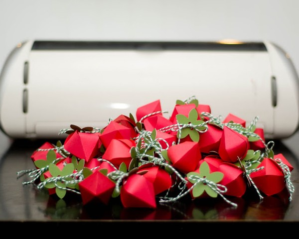 how-to-diy-strawberry-gift-favor-boxes-8