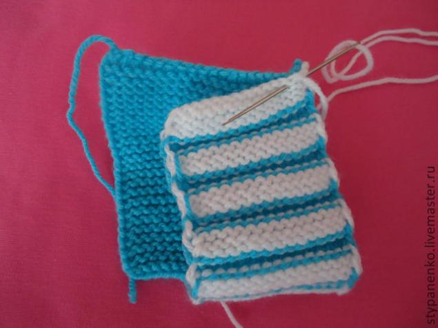 how-to-easy-knitted-cute-pom-pom-decorated-baby-booties-08