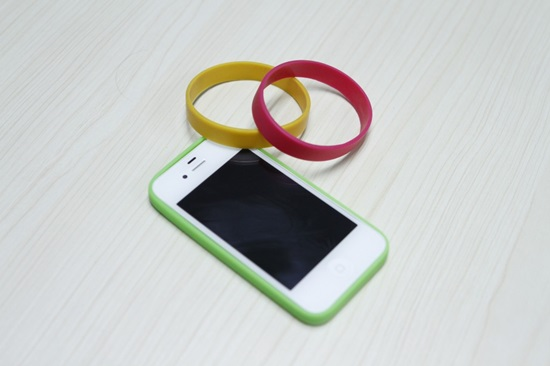how-to-make-your-own-smartphone-bumper-6