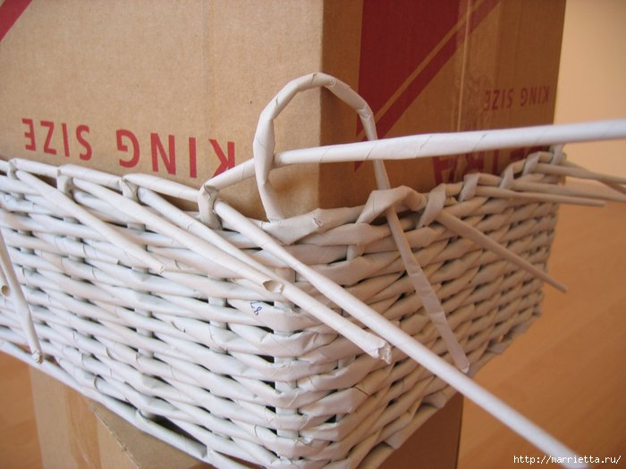 Weave baskets with newspaper wicker you can try - Hacer cestas con papel de periodico ...
