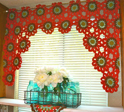 Flower Power Valance with Free Pattern