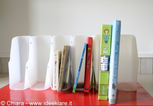 diy-book-organizer-from-recycled-plastic-bottles-01