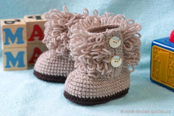 diy-crochet-baby-booties-ugg-style-1