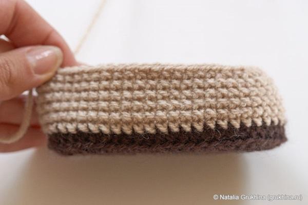 diy-crochet-baby-booties-ugg-style-6