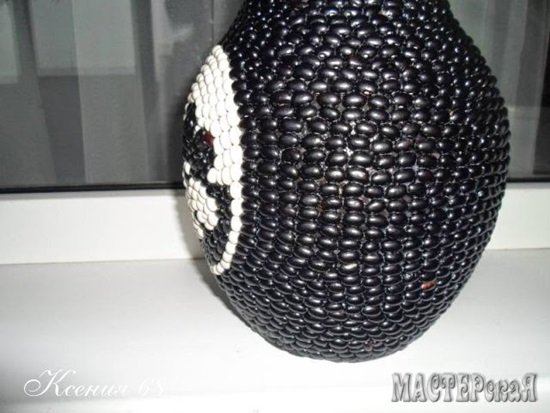 diy decorated vase with black and white beans