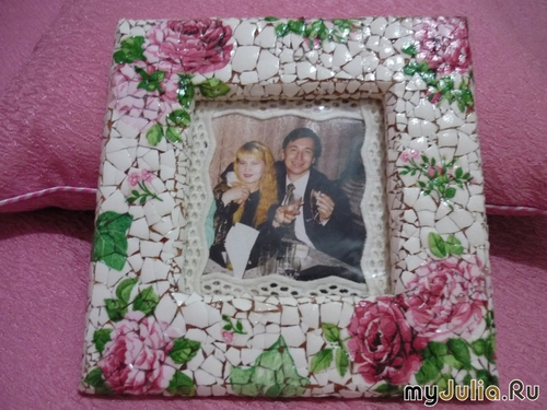 diy-mosaic-picture-frame-out-of-white-egg-shell-10
