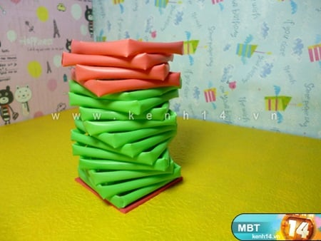 DIY Pencil Holder from Drinking Straws and Toilet Paper Roll