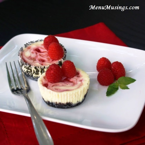 diy-raspberry-swirl-cheesecake-minis-28