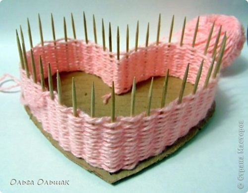 diy-small-heart-shaped-container-with-yarn-7