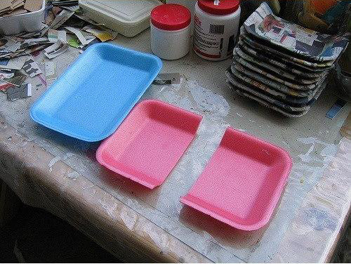 diy-wall-organizer-from-styrofoam-trays-0-1