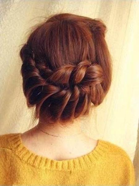 diy-elegant-braids-hairstyle-15