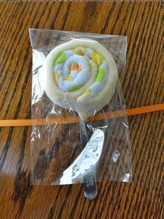 diy-washcloth-lollipops-for-baby-shower-00-07