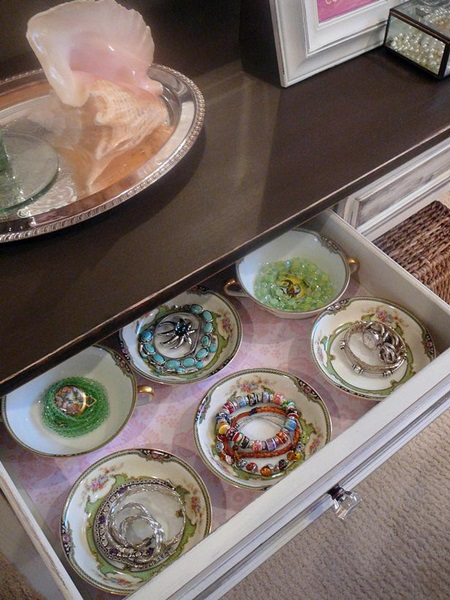 teacup-drawer-jewelry-organizer
