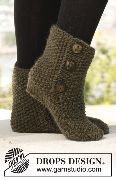 DIY 8 Knitted & Crochet Slipper Boots Free Patterns-Knitted St Louis Boots