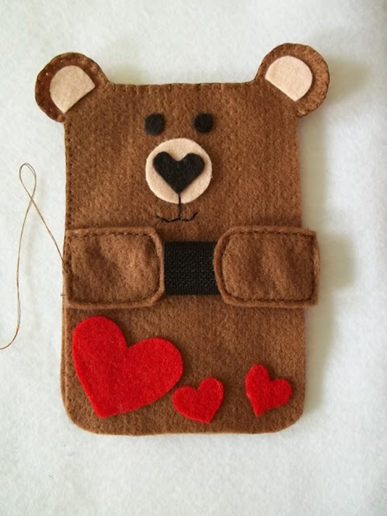 diy-cute-felt-cell-phone-case-10