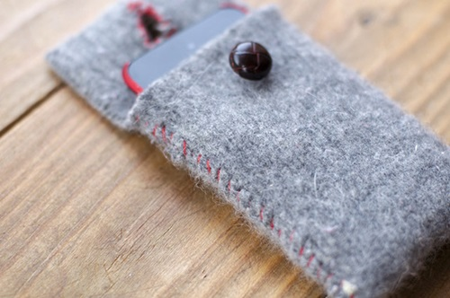 Smartphone Case from old Sweater
