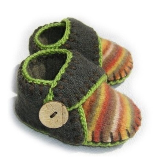 Turn your favorite old sweater into happening baby slippers