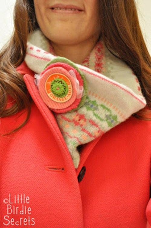 neck warmer and flower from old-Sweater