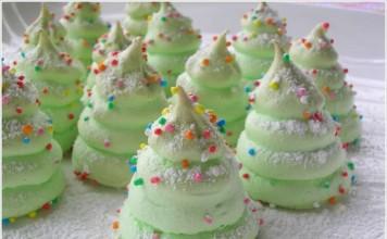 Christmas Tree Meringues Cookies