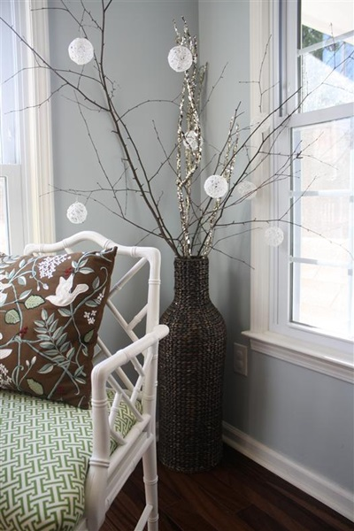 50 Creative DIY Christmas Ornament Ideas and Tutorial- Glittery String Snowballs Ornaments