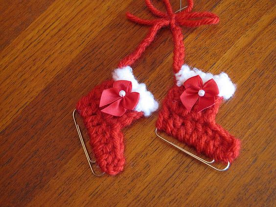 50+ Creative DIY Christmas Ornament Ideas and Tutorial---My Paperclip Ice Skate Ornament FREE Crochet Pattern