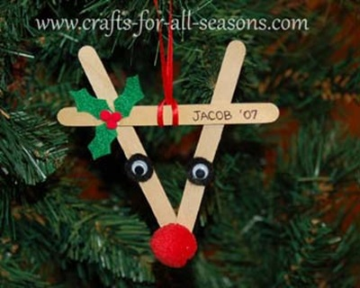 50 Creative DIY Christmas Ornament Ideas and Tutorial-Popsicle Stick Reindeer Ornaments