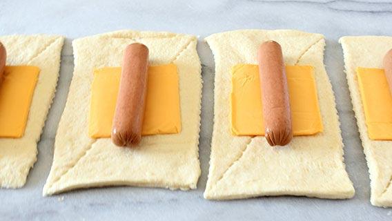 nacho-crusted-crescent-dog_02