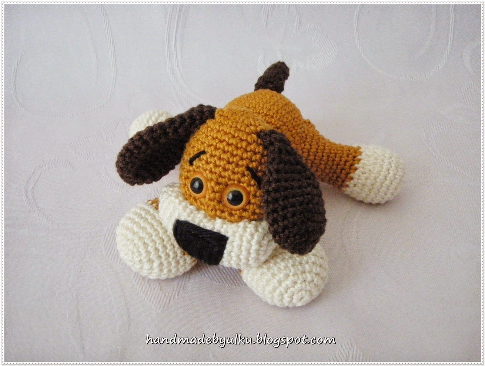 Crochet Sweet Dog with Free Pattern