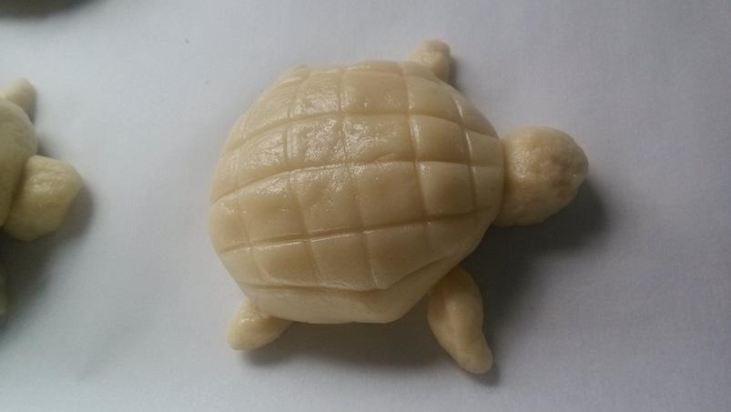 DIY Adorable Turtle Shaped Crispy Bread