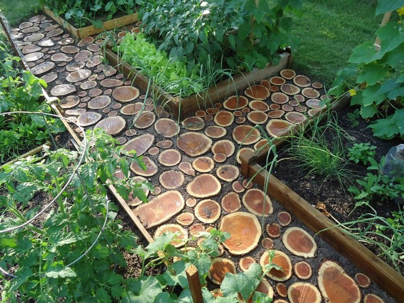 Backyard Path Ideas you wont be able to pick just one Cool Diy Garden Path Ideas Wood Log Path
